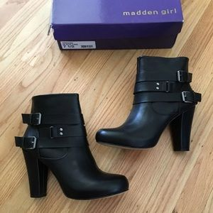 Madden Girl Black Buckle Ankle Boots 7.5